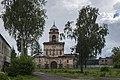 Церковь надвратная с колокольней Введенского монастыря.jpg