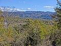 三国山、この方向に初日の出が出る。 - panoramio.jpg
