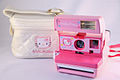 0230 Polaroid 600 Hello Kitty with case (5255037650).jpg