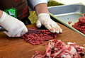 02 Rindertatar aus frischem Rindfleisch hergestellt, Rudawka Rymanowska 2013-003.JPG