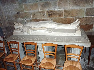 John V, Duke of Brittany - Effigy of John V in Tréguier Cathedral
