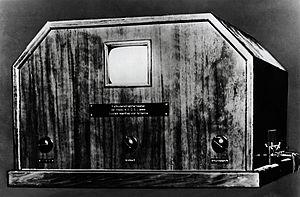 Loewe (electronics) - Image: 1931 First Loewe TV