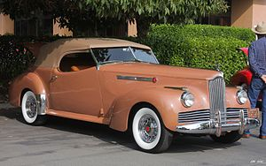 Darrin of Paris - Convertible coupe on a 1942 Packard Clipper chassis