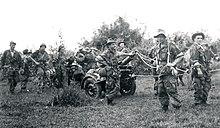 Jean SINGLAND lieutenant, parachuté en renfort sur Dien Bien Phu en 1954 220px-1er_CEPML