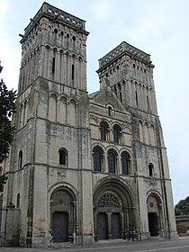 2007-07-28 08-04 Paris, Normandie 0615 Caen, Abbatiale de la Sainte Trinité.jpg