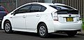 2009 Toyota Prius (ZVW30R) liftback (2011-12-06) 02.jpg