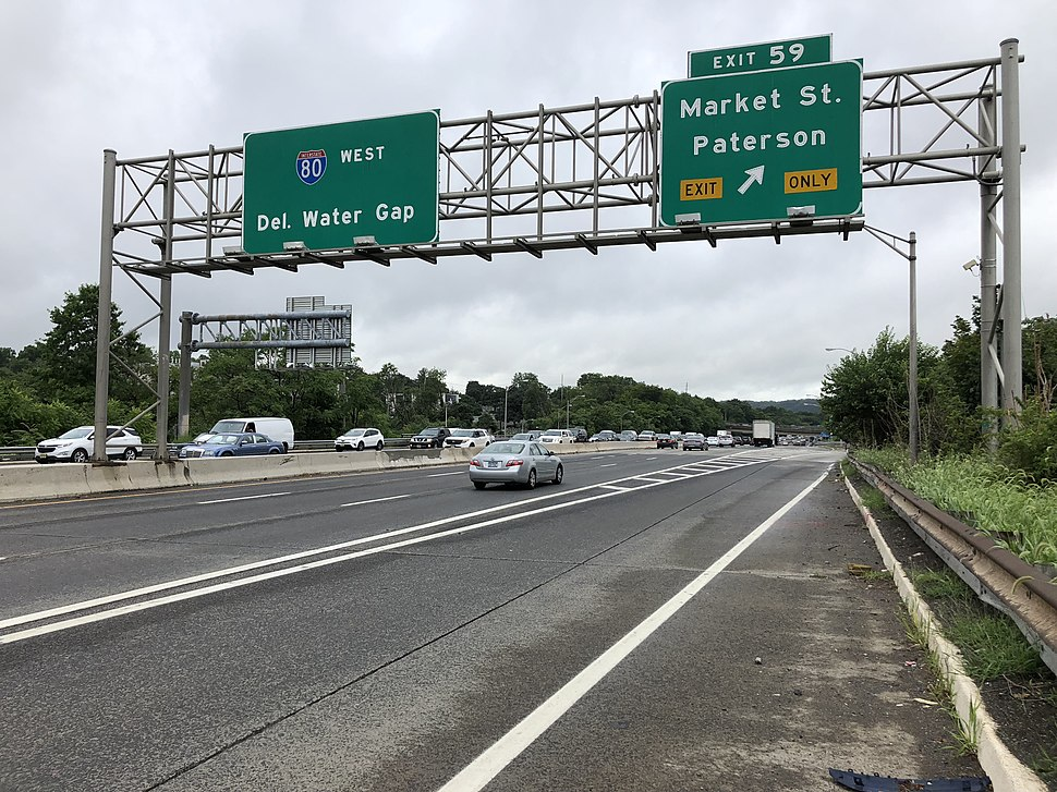 2018-07-25 09 07 12 View west along Interstate 80 (Bergen-Passaic Expressway) at Exit 59 (Market Street, Paterson) in Paterson, Passaic County, New Jersey