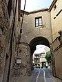 347 Casa Avinyó, portal de Sant Domènec (Peralada), façana est.JPG