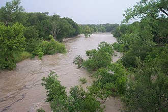 San Gabriel River (Texas) - Image: 4 July 2002 Floods Blue Hole Park, Georgetown, TX