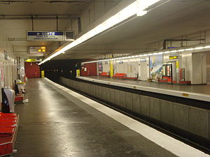 Aubervilliers – Pantin – Quatre Chemins (Paris Métro) - Image: 4chemins quais