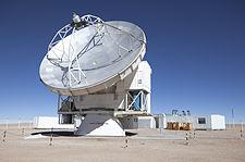 Velký parabolický-mísa dalekohled