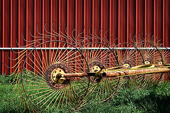 English: An old star-wheel rake, Western Penns...
