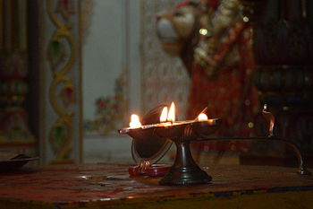English: An aarti plate used in Hindu worship.