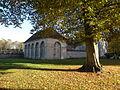 Abbaye de Chaalis - Roseraie bat.JPG