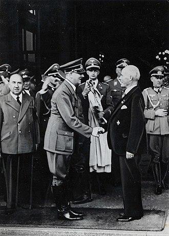 Gustav Krupp von Bohlen und Halbach - In 1940 Gustav Krupp receives the golden medal of the Nazi Party from Adolf Hitler in the German city of Essen