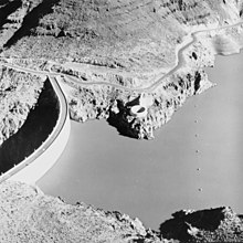 Aerial view of Owyhee Dam showing ring-gate spillway - 01.jpg
