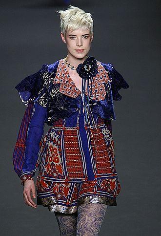 Agyness Deyn - Deyn for Anna Sui in 2008