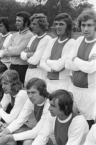 Intercontinental Cup (football) - Dutch team Ajax won the 1972 series v. Argentine club Independiente.