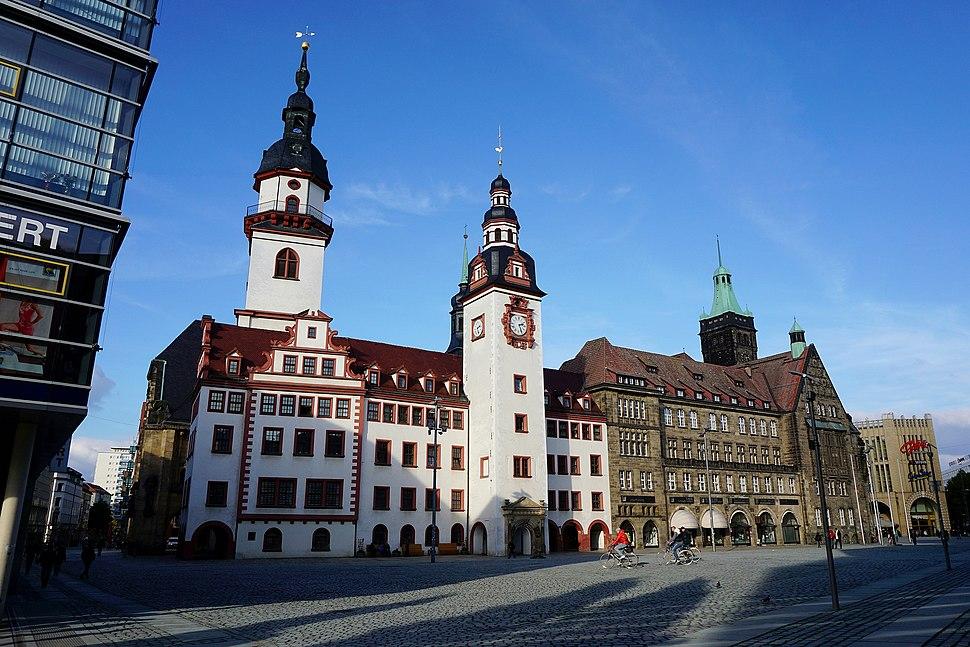 Altes und Neues Rathaus am Chemnitzer Marktplatz 2015
