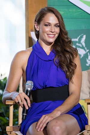 Amanda Righetti - Righetti at the Camp Conival presentation for Colony in July 2016