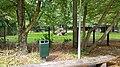Amstelpark, bok op rotsen.jpg