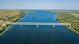 Antonov road bridge in Kherson 5.jpg