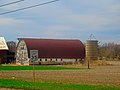 Arch Roofed Barn with a Silo - panoramio.jpg