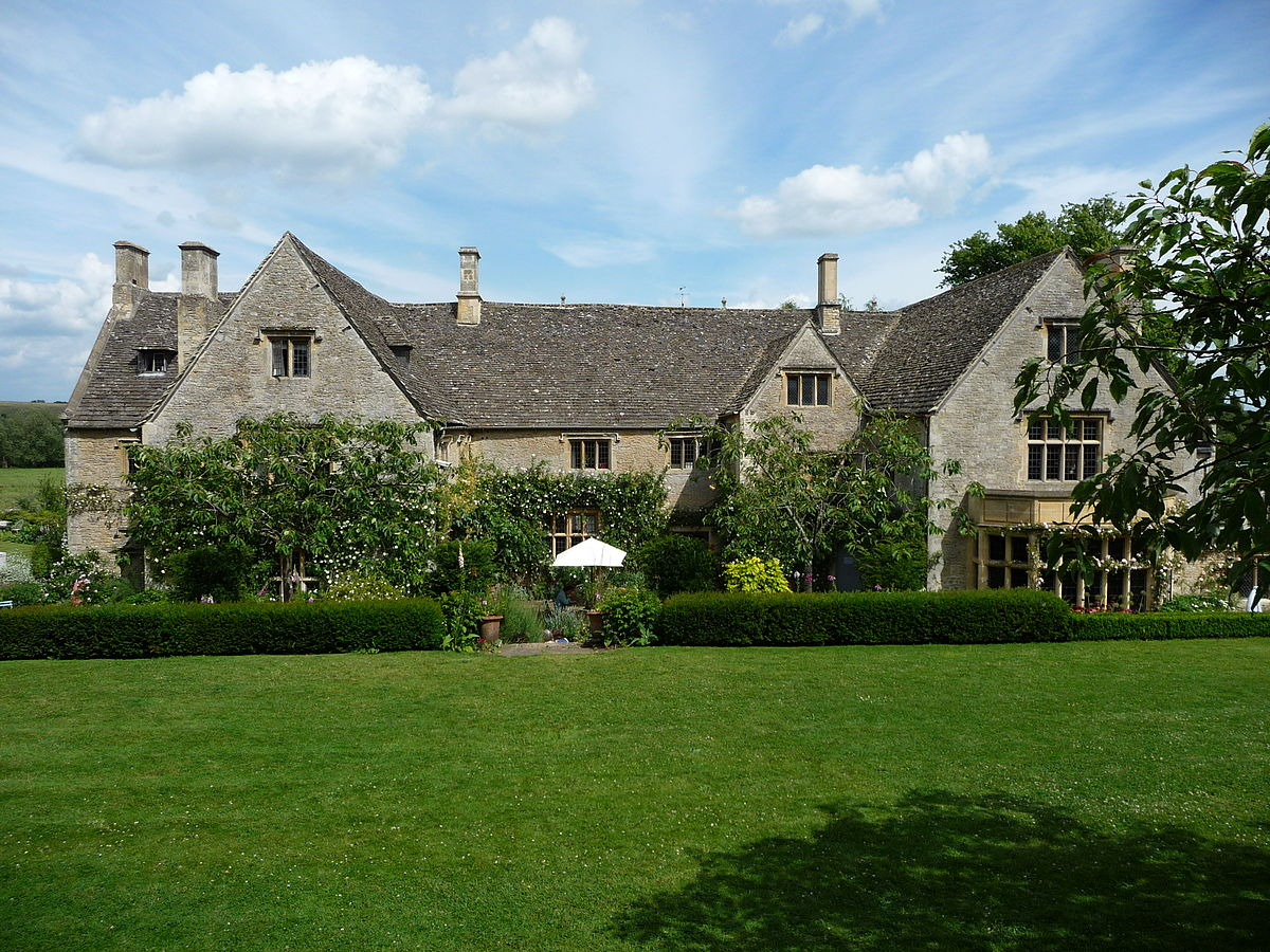 Asthall manor wikipedia for Home manor
