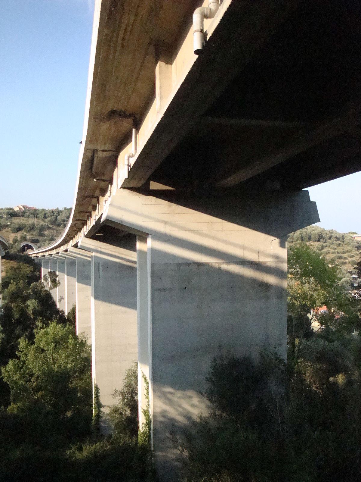 Autostrada A 10 - Diano Marina - Foto di Tony Frisina - Alessandria - DSC06856.JPG