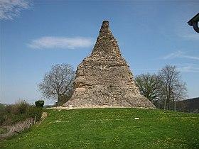 La Pyramide de Couhard, face Sud-Ouest