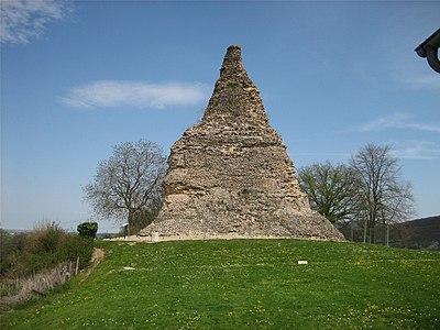 Autun Pyramide de Couhard.jpg