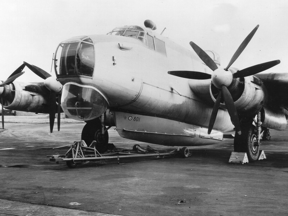 Avro Shackleton with Saunders-Roe airborne lifeboat