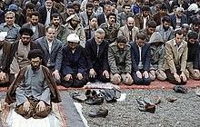 220px-Ayatollah_Khamenei_jome_prayer_%28cropped%29.jpg