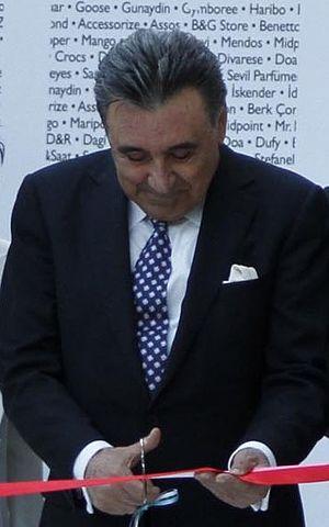 Aydın Doğan - Image: Aydın Doğan (cropped)