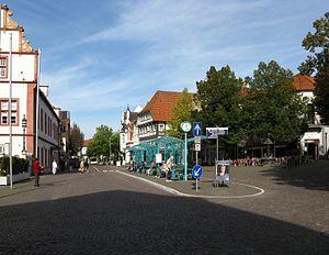 """Bad Salzuflen - Zentraler Bustreffpunkt """"Am Markt"""" Central bus terminus (2016)"""
