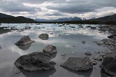 Bahía Onelli, Parque Nacional Los Glaciares, Patagonia, Argentina.