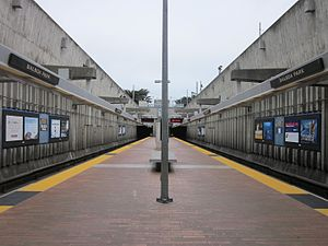 Balboa Park station - The station's BART platform