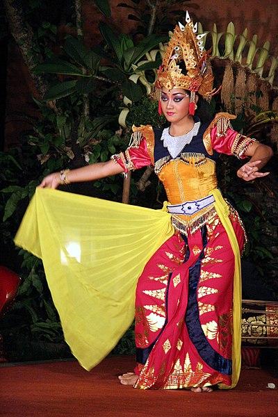 File:Bali-Danse 0707a.jpg