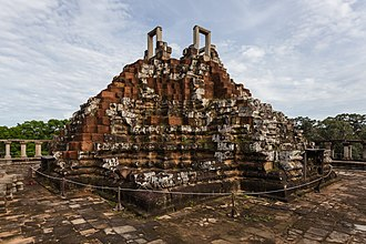 Baphuon - Image: Baphuon, Angkor Thom, Camboya, 2013 08 16, DD 16
