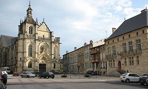 Bar-le-Duc - Saint-Étienne Church and the court house (right) on the Saint-Pierre Square in Bar-le-Duc