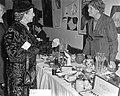 Bazar Nieuw-Guinea vrouwenclub Amsterdam, Bestanddeelnr 904-9798.jpg