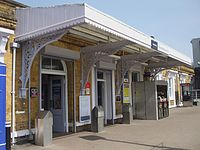 Beckenham Junction stn main entrance.jpg