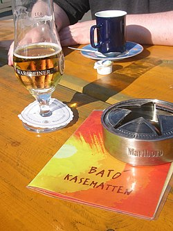 Medienhafen D Ef Bf Bdsseldorf Cafe