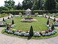 Belvedere - Blumengarten mit Pavillon - panoramio.jpg