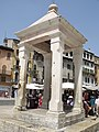 Berlina shrine, Piazza della Erbe, Verona (4813056245).jpg