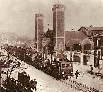Berlin–Hamburg Railway - Berliner Bahnhof station; the link line to Klosterthor station is in the foreground