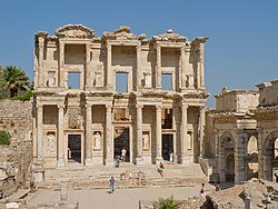 La facciata della biblioteca di Celso ad Efeso