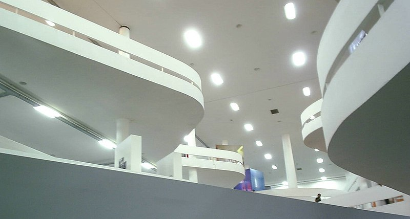 Najpoznatije svetske arhitekte 800px-Bienal_de_S%C3%A3o_Paulo_-_pavilh%C3%A3o_central
