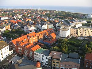 Borkum - Image: Blick vom neuen Leuchtturm der Insel Borkum in der Nordsee