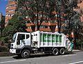 Bogotá, Calle 26 con carrera 5, camión de basura.JPG